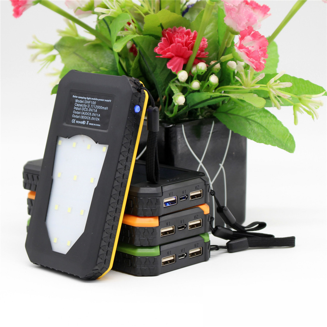 2018 Newest led camping solar charger for mobile phone
