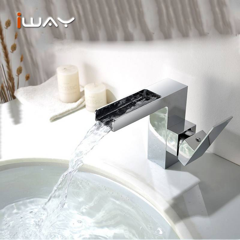 Hot selling kitchens faucet and Classical electric water heater faucet garden supplies