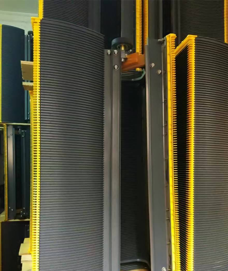 Hitachi escalator stainless steel step