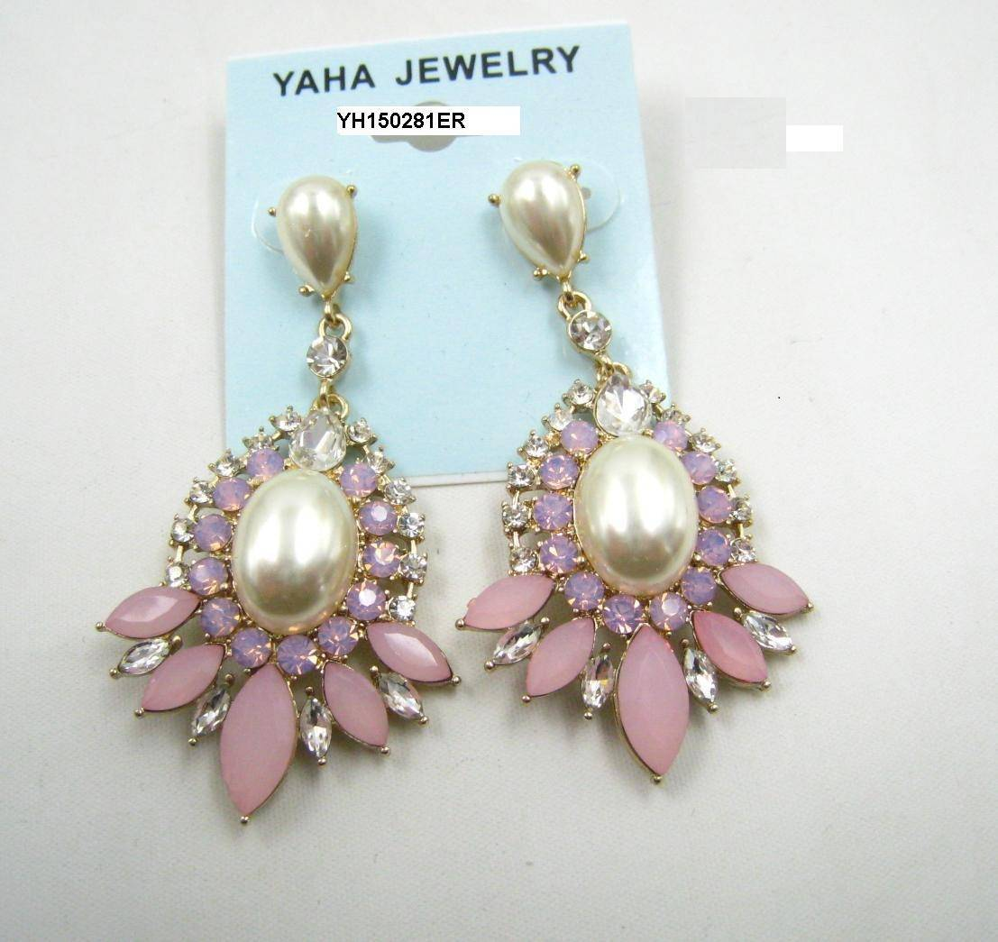 Diamand pearl colored drop earring