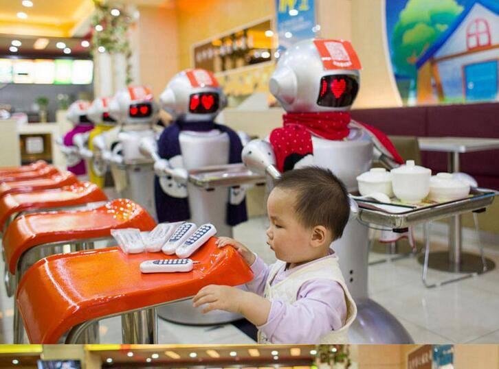 Dishes Delivering Smart Waiter Robot for Restaurant