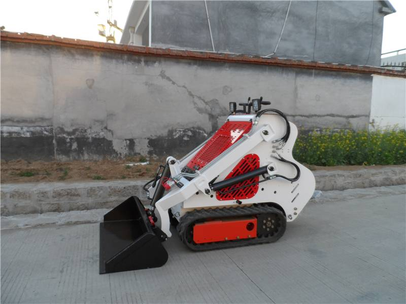 mini tracked skid steer loader with road sweeper B&S engine