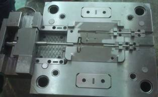 Precision injection mould 4
