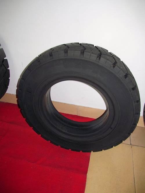 ANair Pneumatic Solid Tire 8.25-20, for Forklift and other industrial