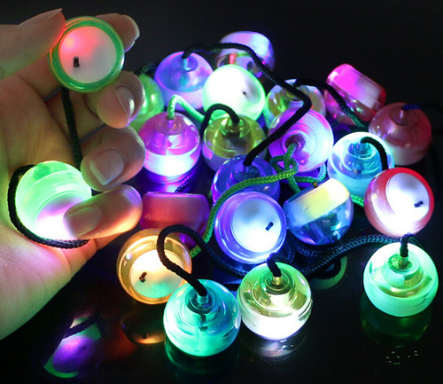 Hot Selling LED Yoyo Fingertip Skill Toy Two Beads One Rope Yoyo