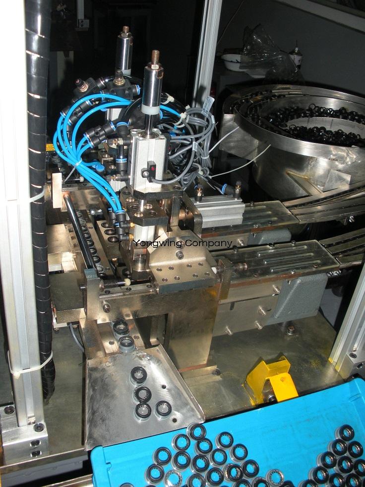 Metal Components Assembling Machine