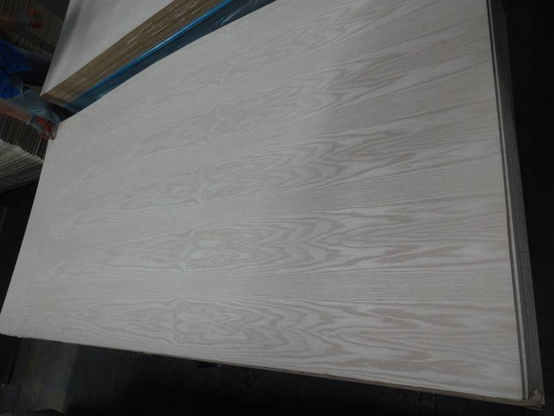 Natural Red Oak Veneered Plywood/MDF