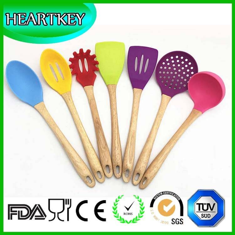 Hot Selling Food Grade Silicone Kitchen Tools 3 Piece Silicone Spatula Set
