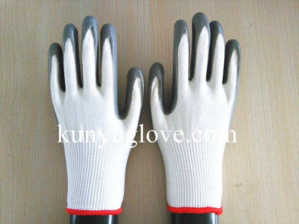 13 Guage white liner with grey nitrile coating gloves 3 level cut resistant glove