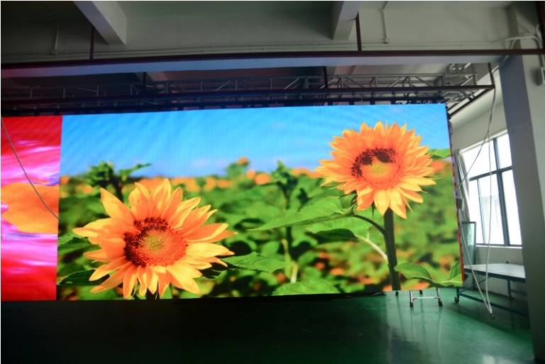 Pitch 9 Galaxias Series Flexible LED Display RGB 3-IN-1 Huasun Jodie
