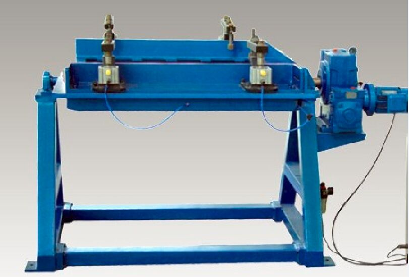 Baffle rib assembly machine for Box column inside separated plate
