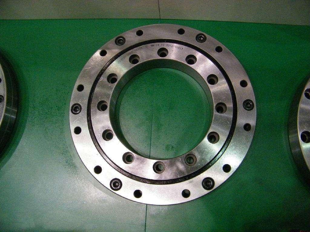 N-range turntable bearing/slewing ring