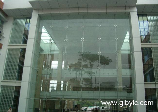 Point-Supported-Glass-Curtain-Wall