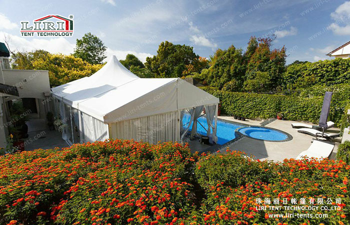 Waterproof and Flame Retardant 100 People High Peak Party Tent for Sale