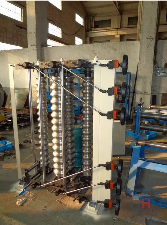 Corrugated curving machine