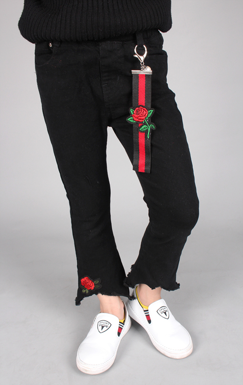 Kids Jeans Factory with Embroidery Rose Wholesale
