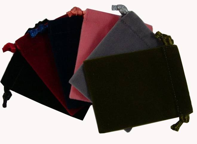 Velvet jewelry packaging pouch