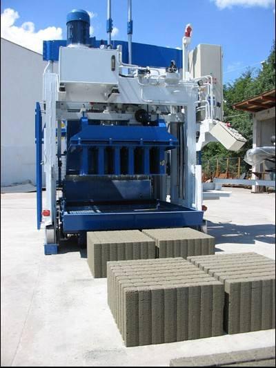 Movable concrete block making machine SUMAB E-12
