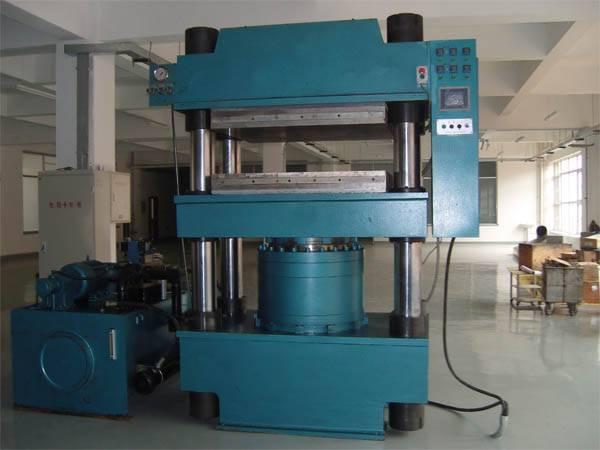 YT33 Four-column hydraulic press