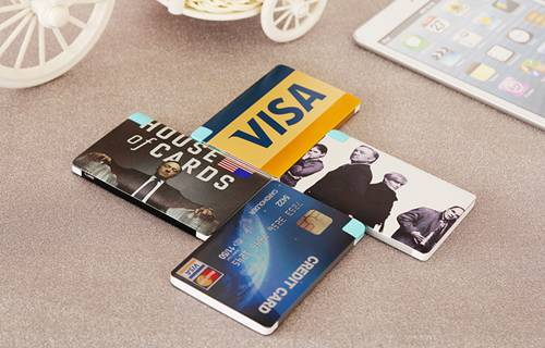 Ultra thin 2500mAh metal case credit card shape emergency charger for phones