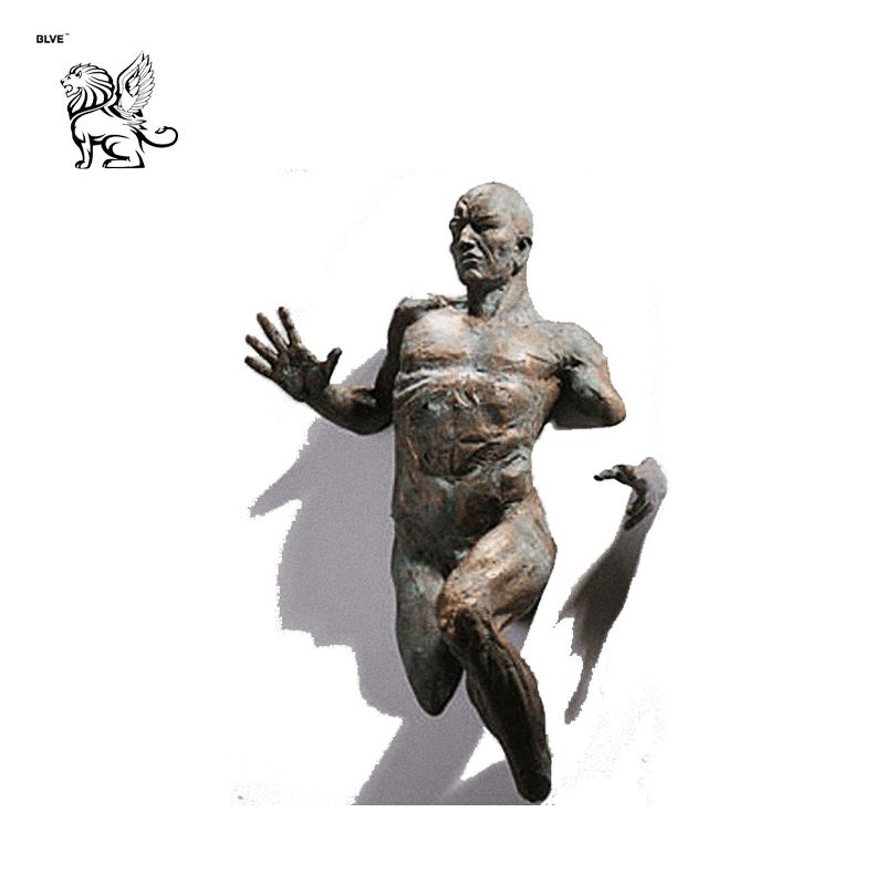 abstract hot sale life size 3D wall statue bronze running man sculptur