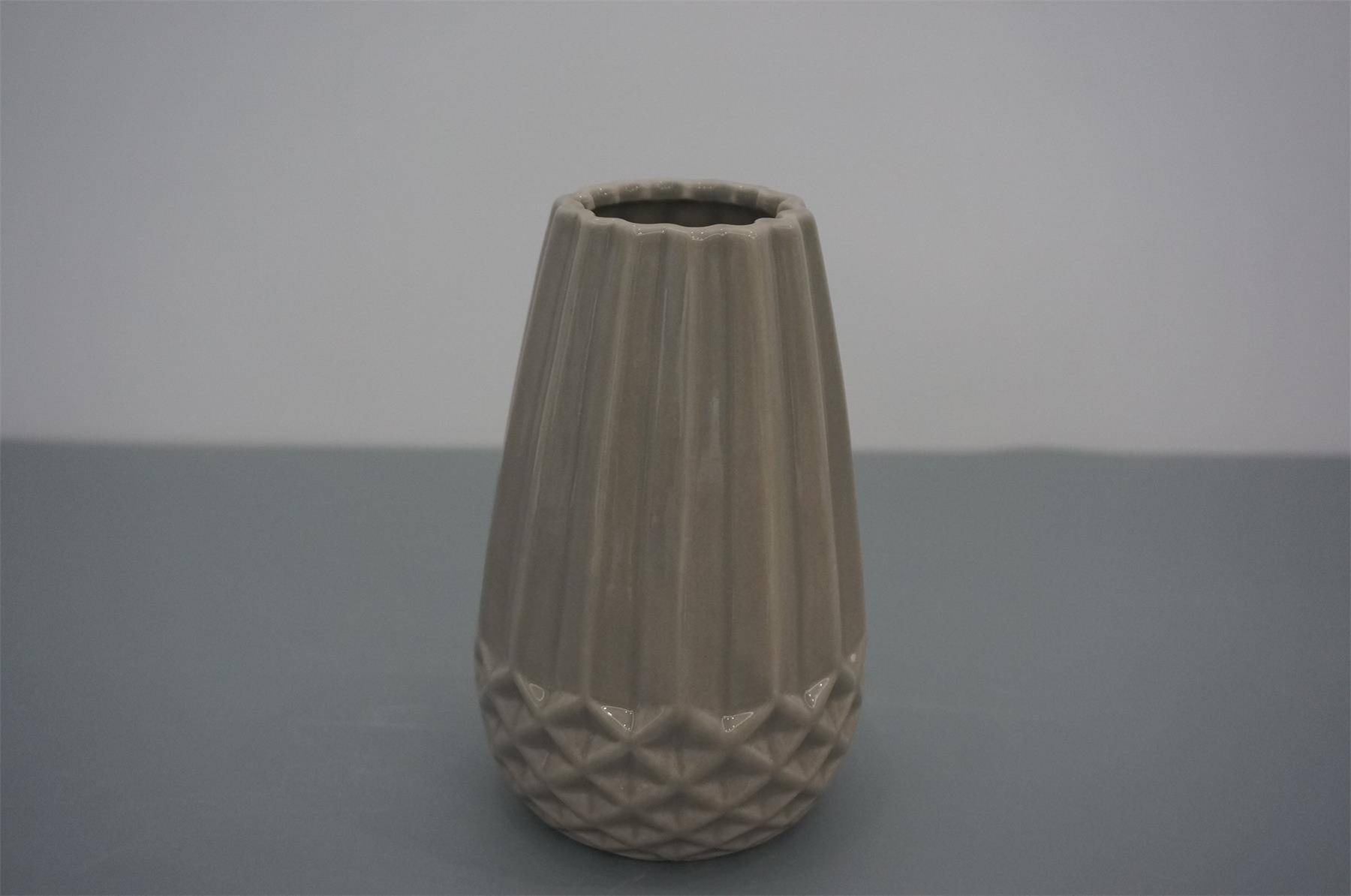 Gray porcelian vase