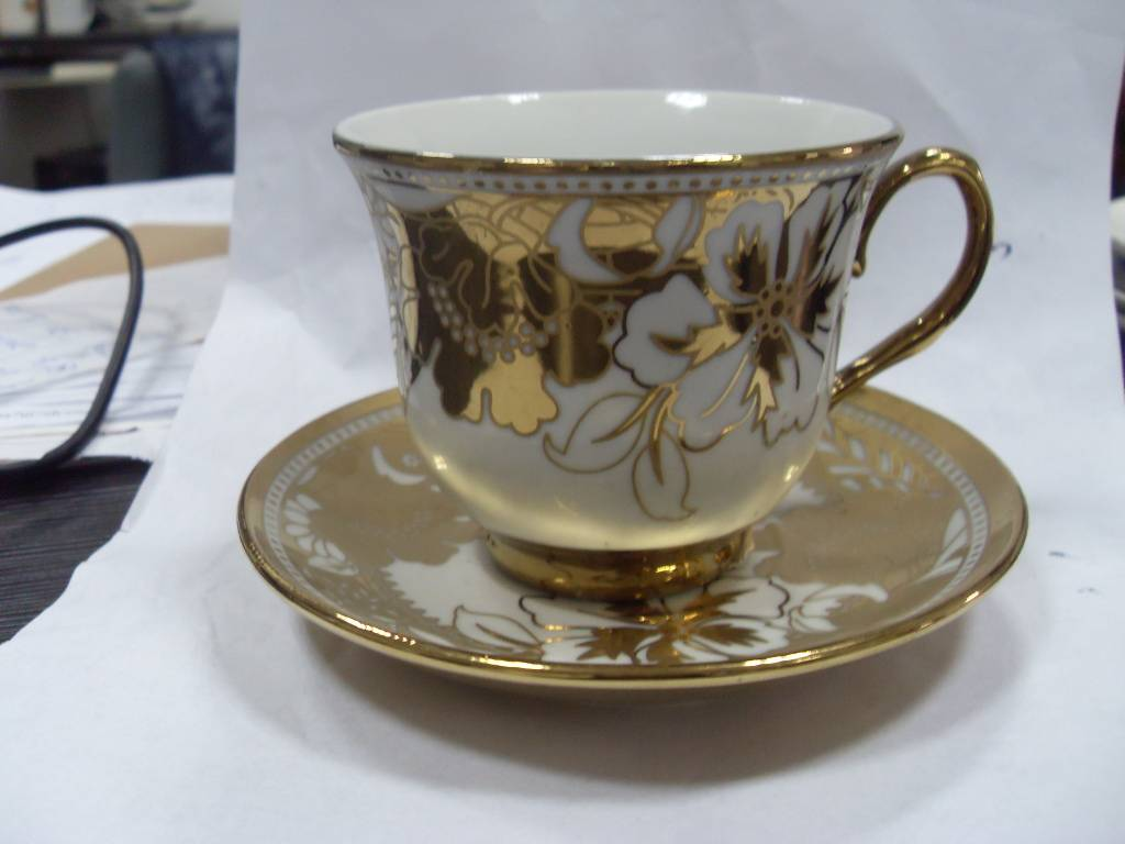Fine Porcelain Cup and Saucer Set with Gold Color Logo, Passed FDA, LFGB, CPSIA, CA65, 84/500/EE Tes