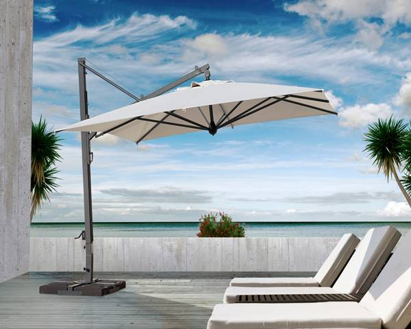 Cantilever Parasol with Retractable Closing System