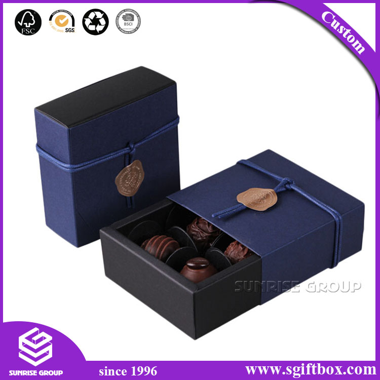 China OEM Wholesale Recyclable Paper Gift Packaging Chocolate Box with Individual Insert
