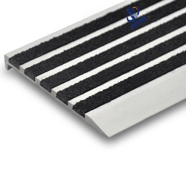 Easy install Alkali-Proof carborundum non slip treads