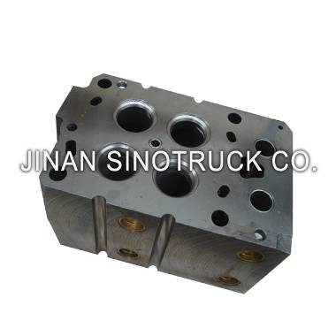 Howo truck parts AZ1246040010 CYLINDER HEAD