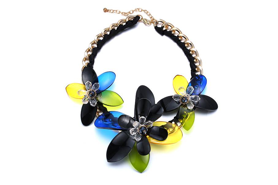 Color acrylic flower necklace