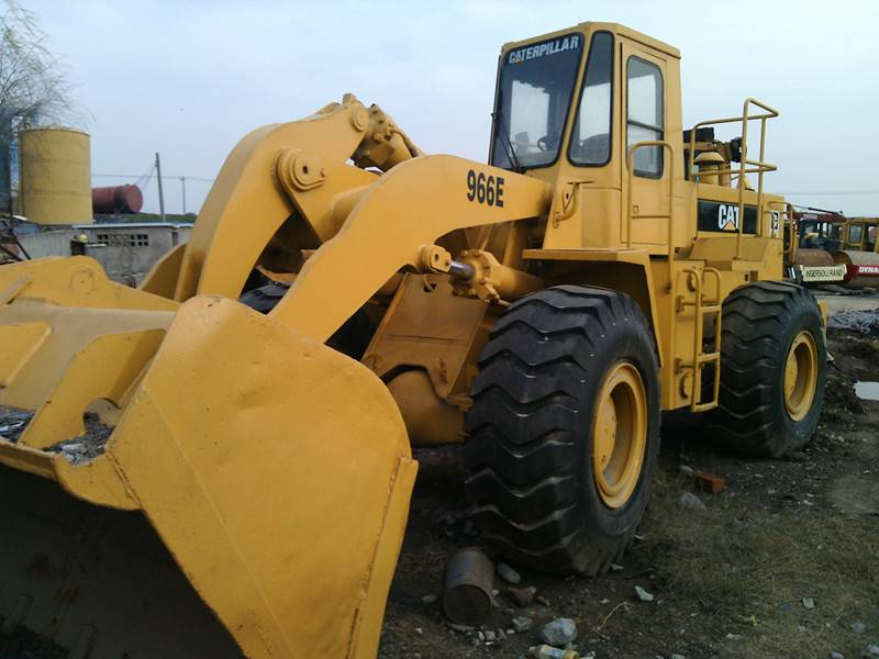 Second hand CAT Loader 966E in good condition