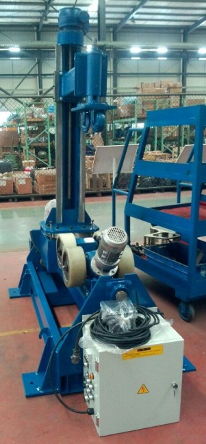 Pipe positioners tilting left and right 90 degree and press pipe