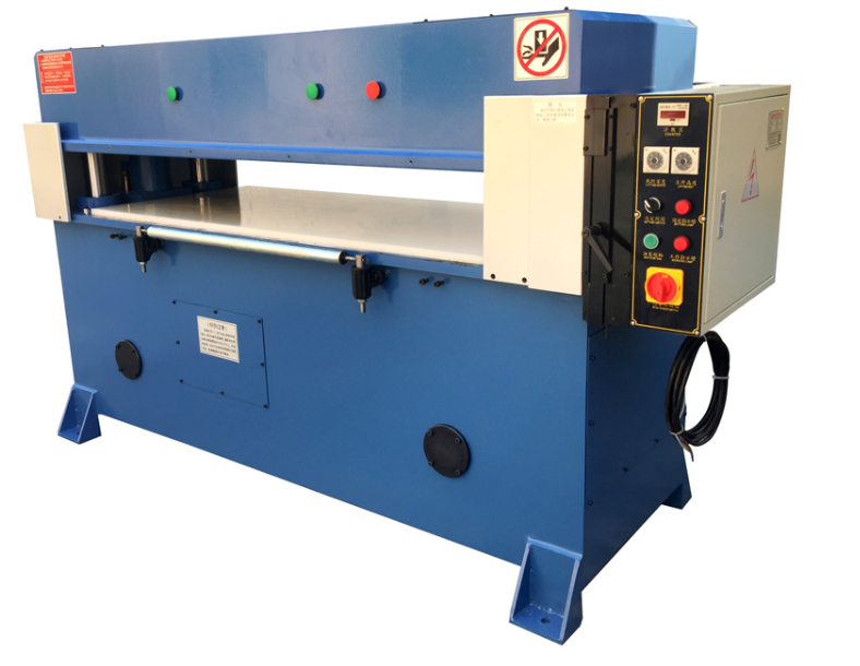Hydraulic four column cutting machine for blister packaging