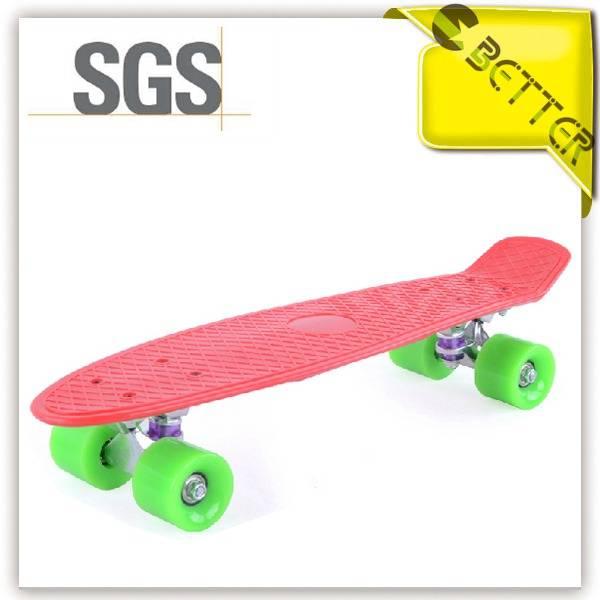 Mini plastic cruiser skate board