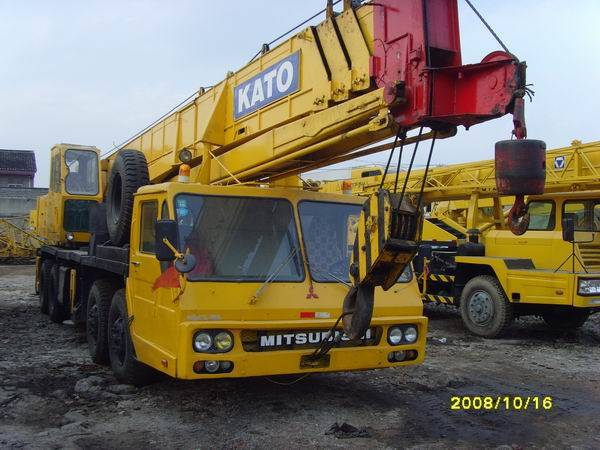 cheap used Kato 50 tons truck cranes for sale/Japan kato cranes