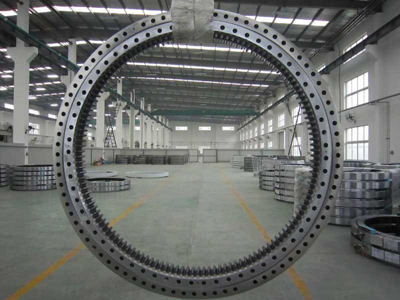 Hot Sales Turntable Bearing with Flange for Crane Attachment