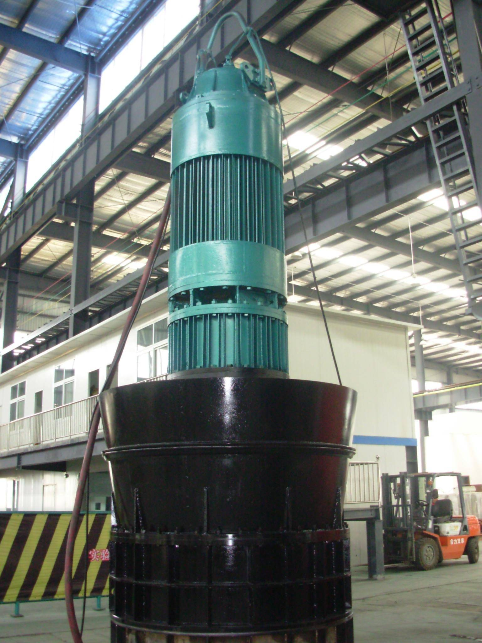 Electric Submersible pump with planetary gear