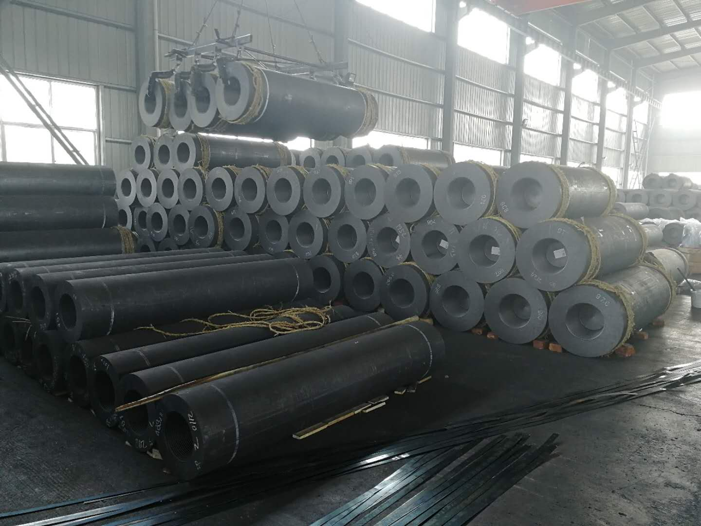 UHP Graphite Electrodes used in Steel plant-China Factory Supplier