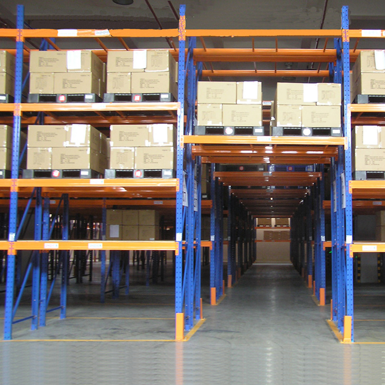 Heavy duty pallet racking system with industry warehouse