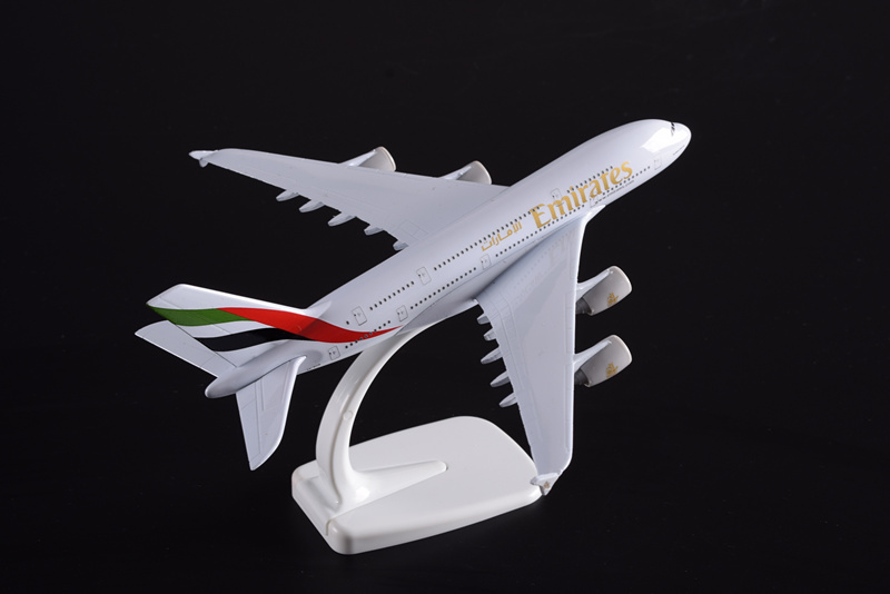 Metal crafts Display Plane Model Airbus 380 Emirates Airlines Simulation Model Airplane Manufacture