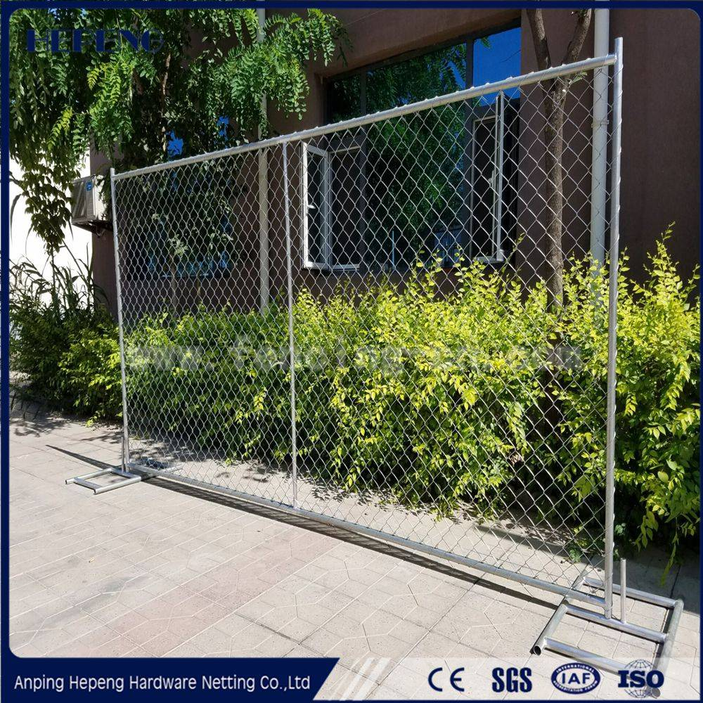 Temporary chain link fencing