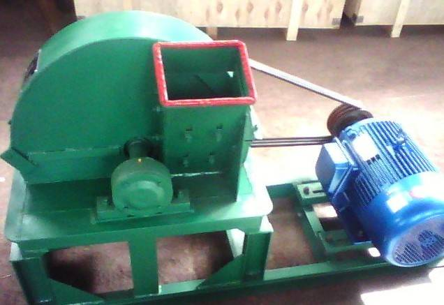 High efficiency  wood shaving machine