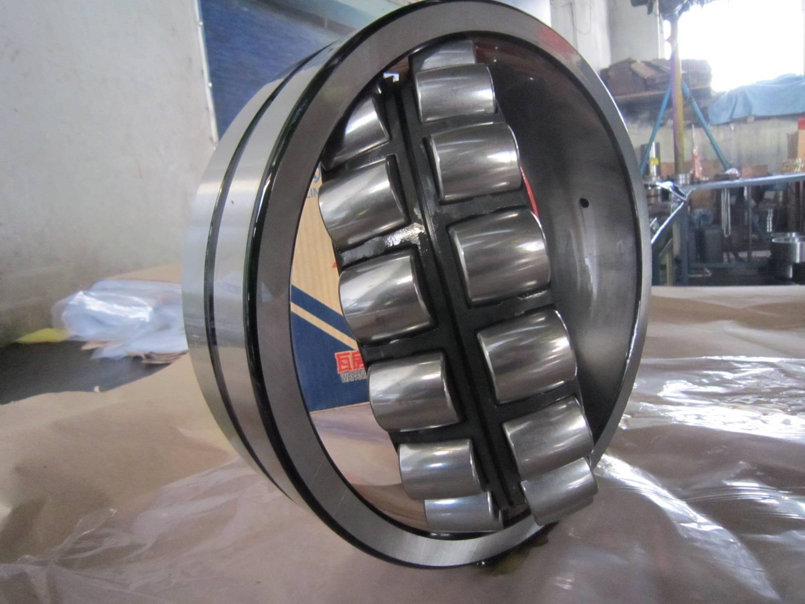 NU1030, hydraulic compact, cylindrical roller bearing