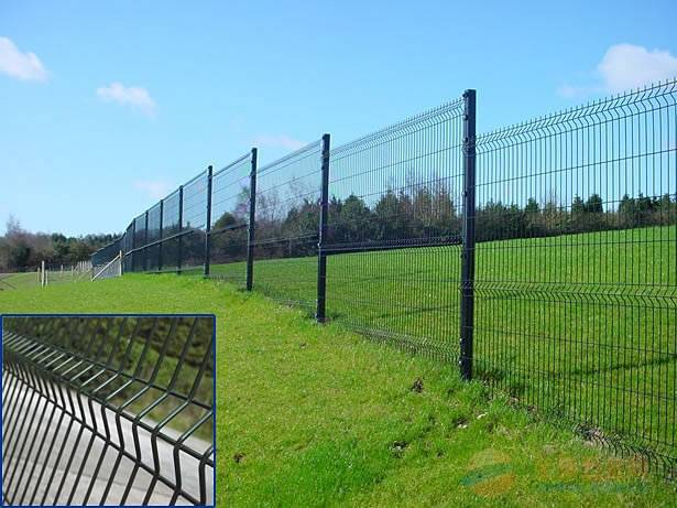 pvc coated and galvanized razor barbed wire mesh fence panel
