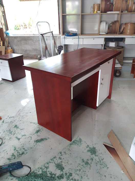 Desk/table work by MDF or Natural wood