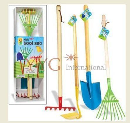 Kids gardening rake set