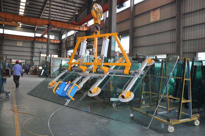 Pneumatic Vacuum Lifter for large-sized glass