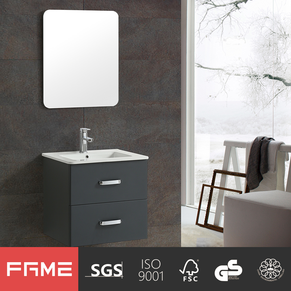 Unique Modern High Gloss Painting Bathroom Cabinet with Mental Handle